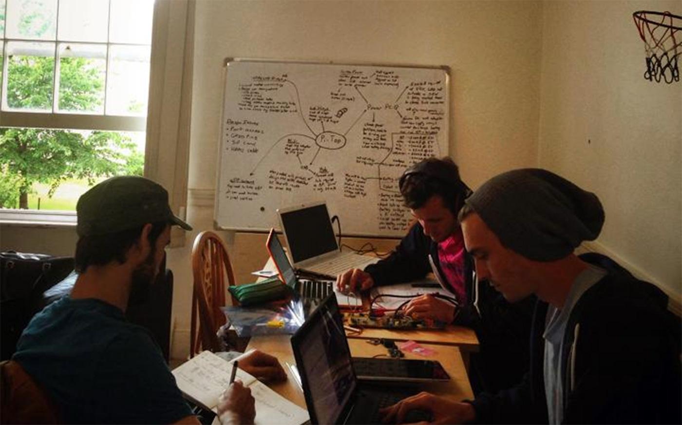 20141011083955-startworking